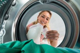 汚れを落とすはずの洗濯機が雑菌の温床に!?洗濯槽をキレイに掃除する方法