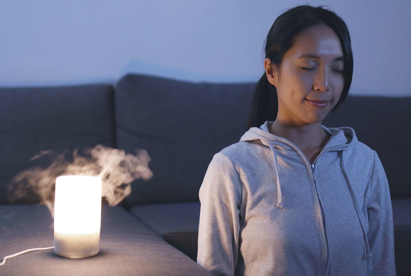孤独を感じた時は香りで癒やされよう!タイプ別で選ぶアロマディフューザーの選び方