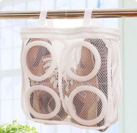 478080b257f63c3dfdb27cb6e996008a 狭い玄関に重要なのは清潔感!靴を洗濯機で洗うために用意するものと手順を解説!