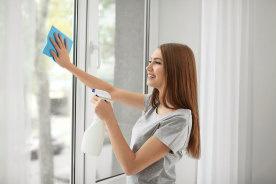 一人でも簡単に網戸がキレイにできる!網戸掃除が捗りすぎる便利な掃除グッズ7選