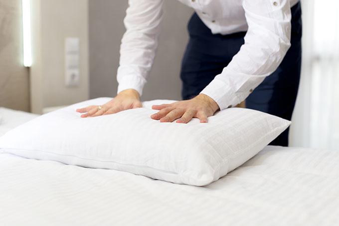 cd0b4a7290d0a2e35790c4dfc35dc262 枕は洗わないと雑菌の温床になる!?一人暮らしだとめんどくさくなりがちな枕の洗濯方法を素材別にご紹介