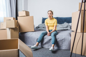 一人暮らしにベッドは必要?引っ越しでベッドを運ぶ際の注意点や処分方法まとめ