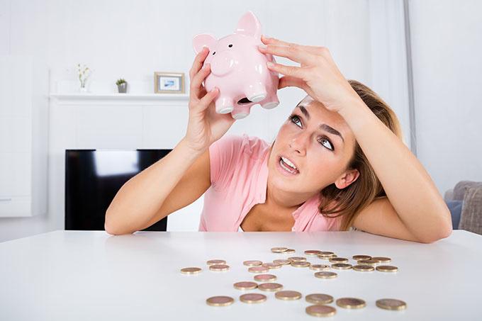 shutterstock 5618963681 一人暮らしの基本的な出費9項目と予定外の出費9例、予定外の出費に備えた貯金のススメ