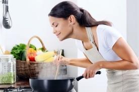 ワンルームキッチンに最適! 一人暮らし向けの鍋5選!