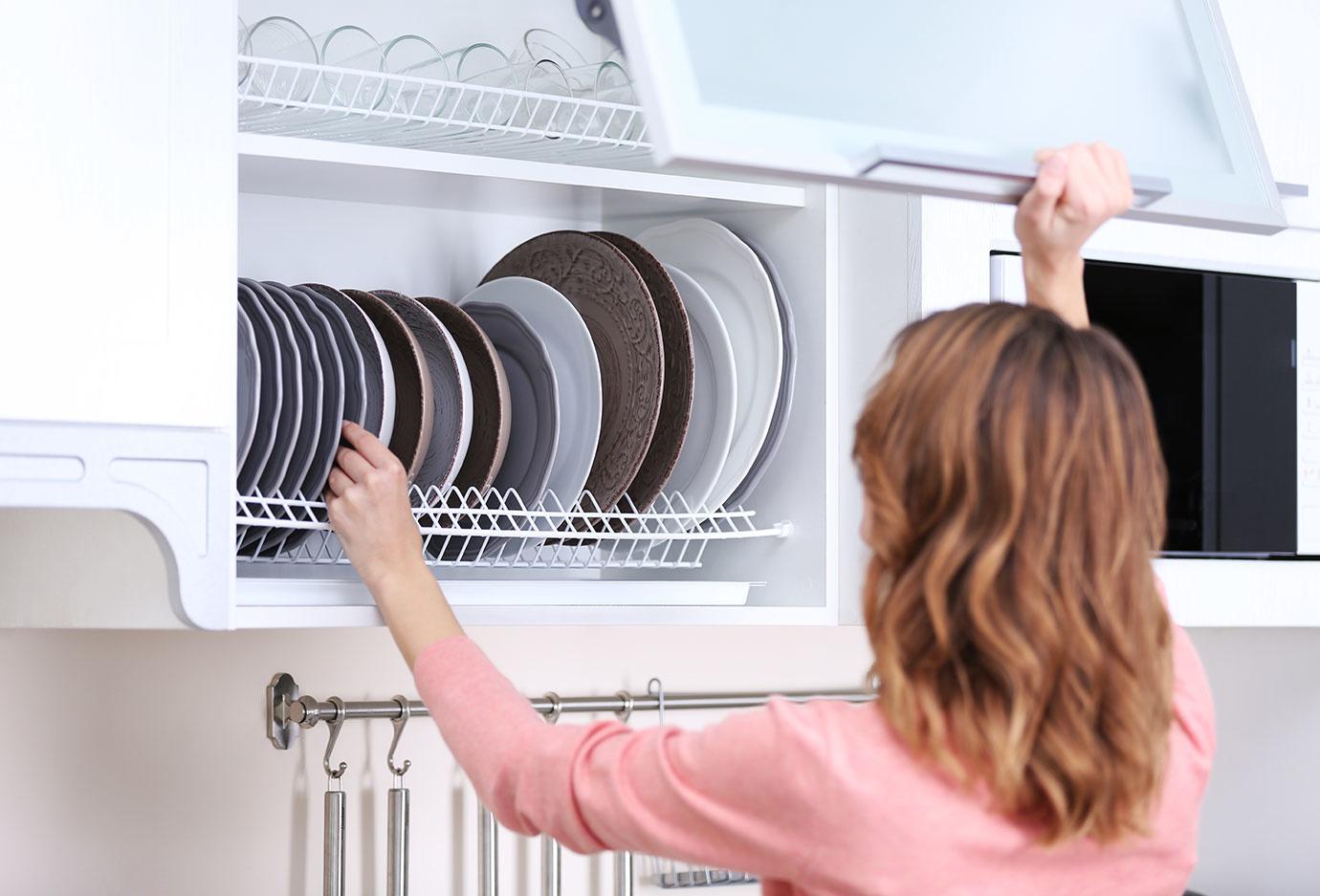 一人暮らしでもできる!魅せるシステムキッチンを作れる収納アイテム5つ