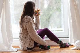 ワンルームが寒くて辛い…部屋の寒さ対策に使えるアイテム6選、断熱対策をして部屋を暖かくしよう